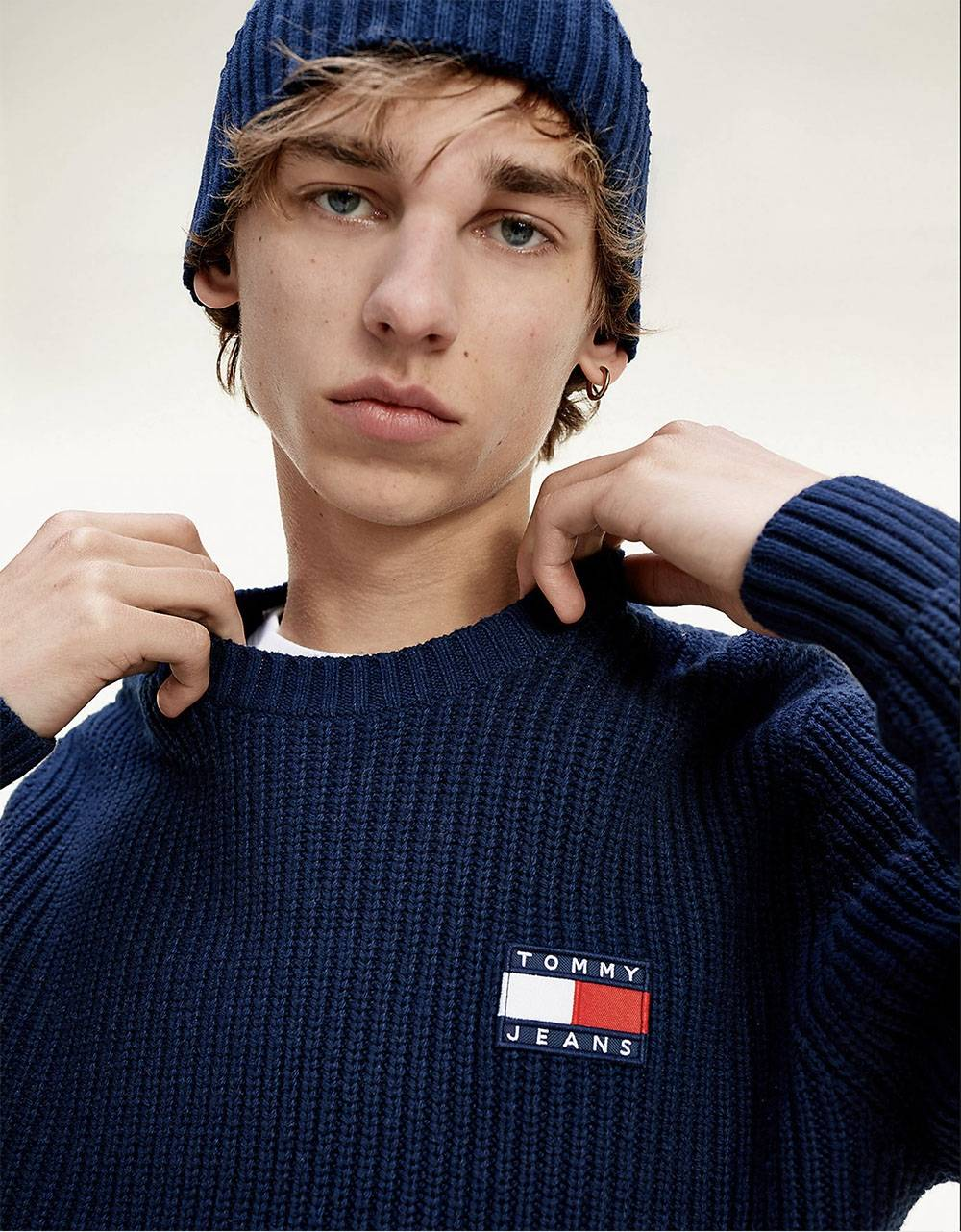 Tommy Jeans Badge knit sweater - Navy Tommy Jeans Knitwear 91,80 €
