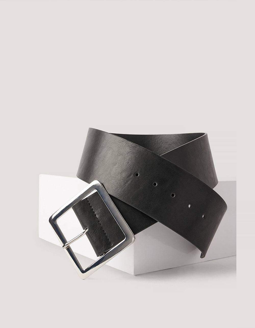 NA-KD big buckle waist belt - black NA-KD ACCESSORIES 16,39€