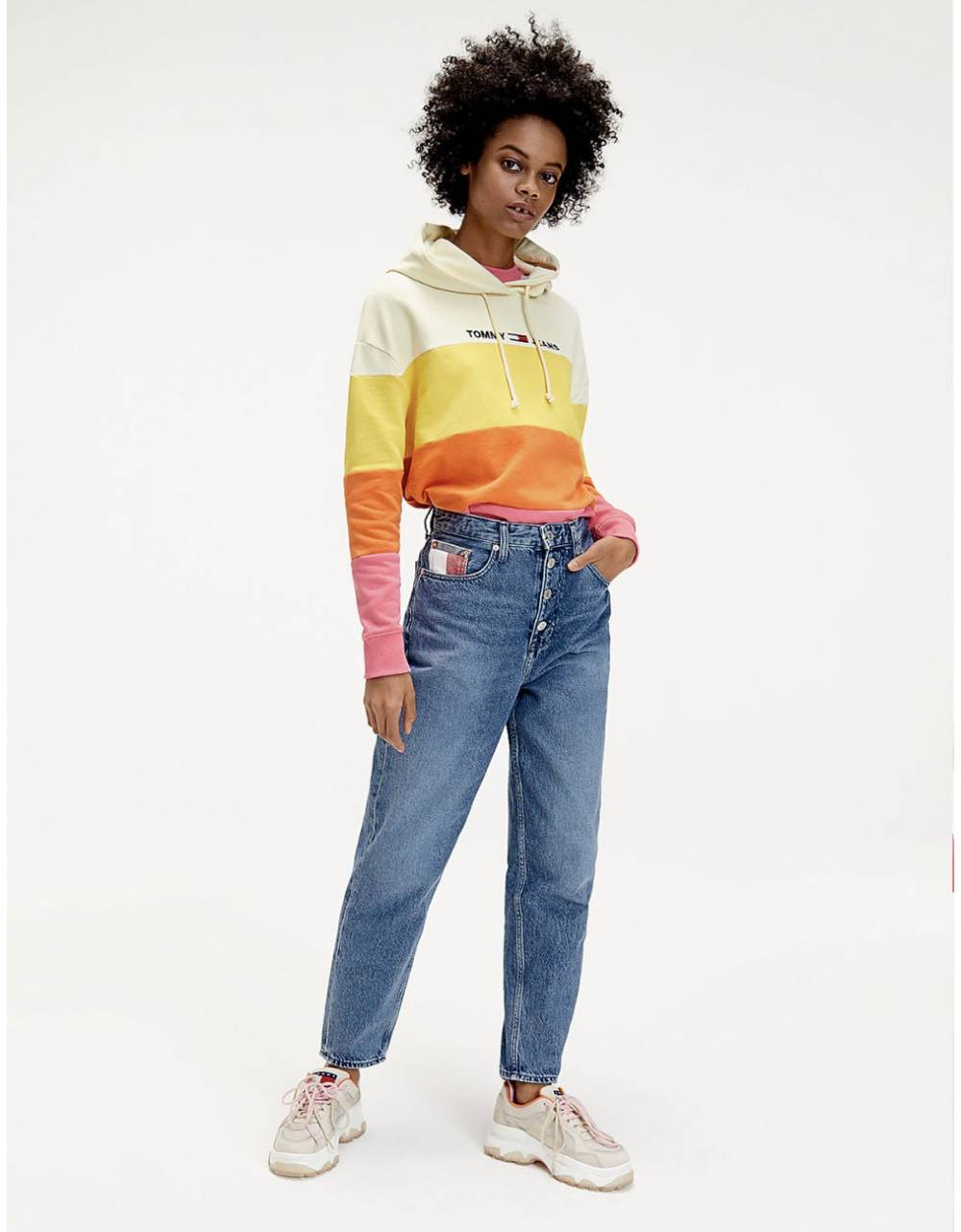 Tommy Jeans woman's Mom jeans high rise tapered - save mid blue rigid Tommy Jeans Jeans 135,00€