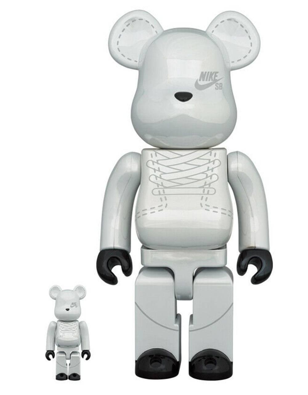 Medicom Toy Nike SB Bearbrick Set 100% 400% - Platinum White Medicom Toy Toys 204,92€