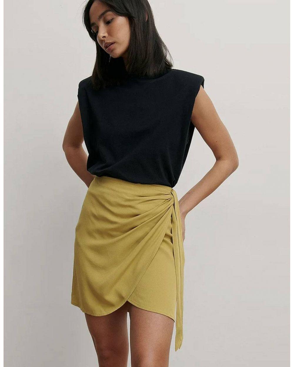 NA-KD overlap side knot mini skirt - olive green NA-KD Skirt 40,98€