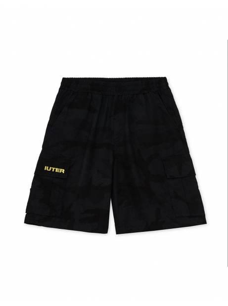 Iuter Cargo camo shorts - black IUTER Shorts 109,00€